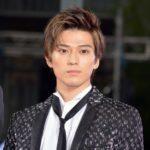新田真剣佑の髪型がおしゃれすぎ!幼少期の黒髪から金髪まで画像を比較